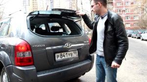 Открытое стекло багажника Хендай Туссан 2007 года