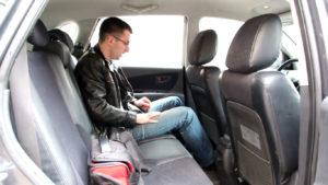 Туссан 1 поколения место для задних пассажиров
