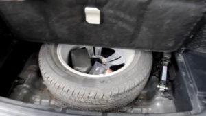 Запасное колесо крупным планом в Хендай икс 35